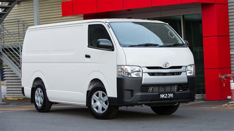 review  toyota hiace review