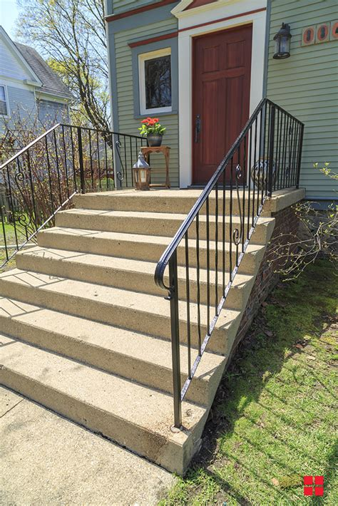 porch railing refresh  stops rust spray paint