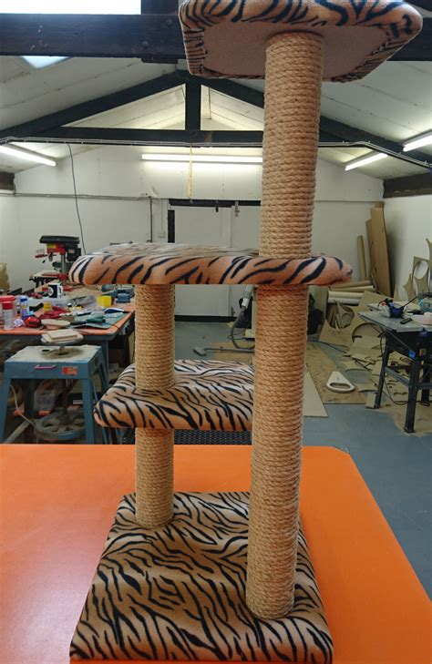 luxury large cat tree furniture  platforms    uk scratchycats