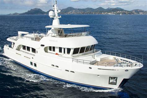 Review Moonen Yachts 100' Explorer  Moonen Yacht
