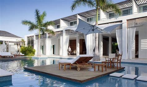 gansevoort turks  caicos wedding modern destination