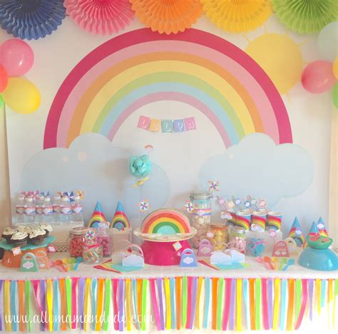 deco arc en ciel la sweet table d 233 co d anniversaire quot arc en ciel quot les photos allo maman dodo