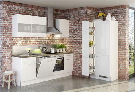 cuisine armoires blanches cuisine blanche et mur de briques brut2deco