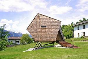 Tiny House österreich : stay in a tiny shingled cabin in austria that resembles a bird like ufo dwell ~ Frokenaadalensverden.com Haus und Dekorationen