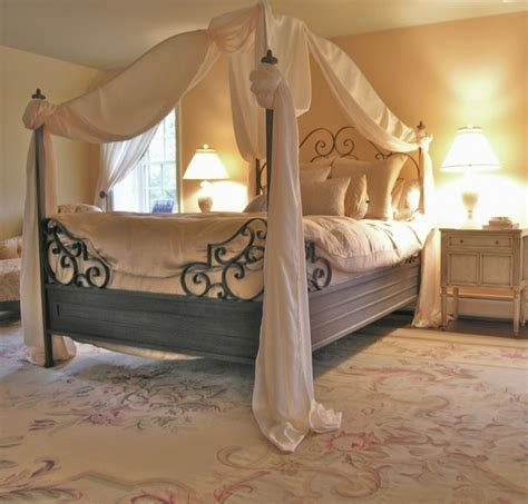 Queen Size Canopy Bed Curtains by La Chambre Vintage 60 Id 233 Es D 233 Co Tr 232 S Cr 233 Atives