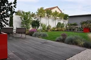 Sculpture De Jardin Contemporaine : jardin de ville avec terrasses en bois garden trotter ~ Carolinahurricanesstore.com Idées de Décoration