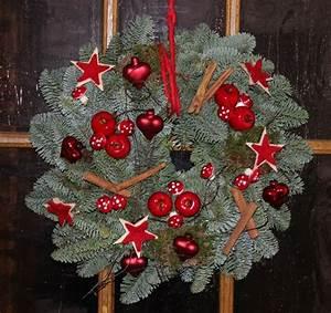 Weihnachtskranz Selber Machen : t rkranz waldig und frisch bastelfrau ~ Markanthonyermac.com Haus und Dekorationen