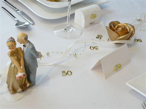 geschenk zur goldenen hochzeit ideen mustertische zur goldenen hochzeit bei tischdeko