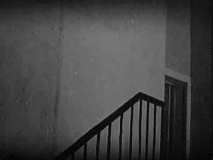 Joe Hill's Thrills   gifmovie: Shadow play in Nosferatu ...