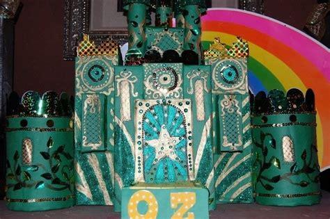 emerald city     model  sculpture