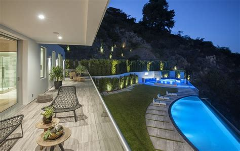 million newly built modern mansion  los angeles ca homes   rich