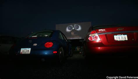 Drive-in.cars.theatre.wall-e.jpg