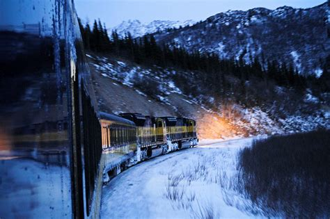 scenic winter  holiday train rides   united states