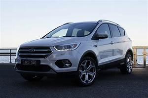 Ford Escape Titanium Petrol 2017 Review