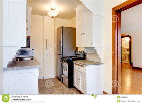 vieille cuisine vieille cuisine blanche d 39 appartement images libres