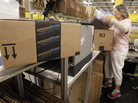 christmas gift for ups driver 20 gift card ups delays business insider