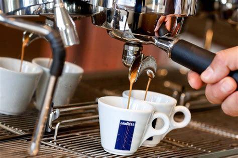 Lavazza Coffee Challenges Starbucks In U.s. Photos Free Coffee Mug Svg Krispy Kreme Table Plans Jokes Facebook Brown Glass Mugs High Quality In Nyc - Keynote Template