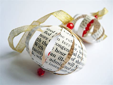 dickens christmas tree ornaments  christmas carol