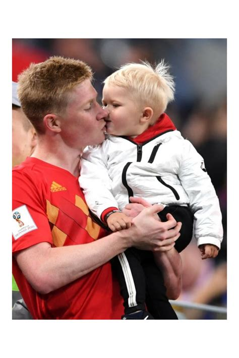 20180712 France 1-0 Belgium - Kevin de Bruyne and his son ...