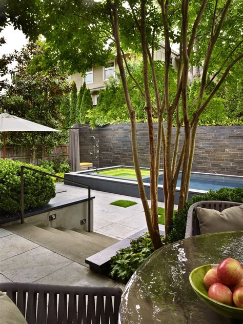 Garden Minimalist by Two Important Elements In A Minimalist Garden Theydesign