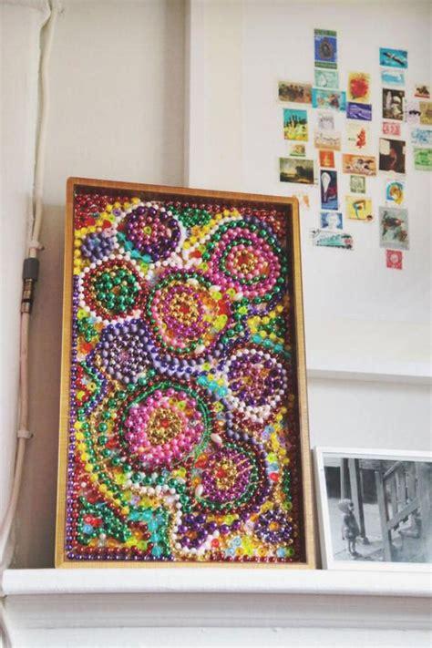 creative ways    mardi gras beads hgtv