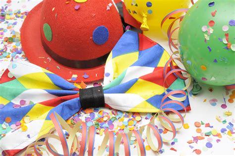 unsere oeffnungszeiten zu karneval fastnacht fasching und