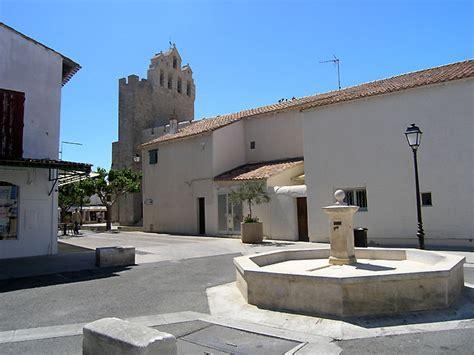 chambre d hote saintes de la mer photo fontaine des saintes maries de la mer