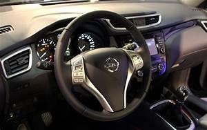 Interieur Nissan Qashqai : nissan qashqai 2 premi re rencontre ~ Medecine-chirurgie-esthetiques.com Avis de Voitures
