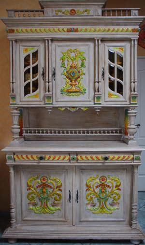 relooker meuble de cuisine vaisselier peint meuble relooké