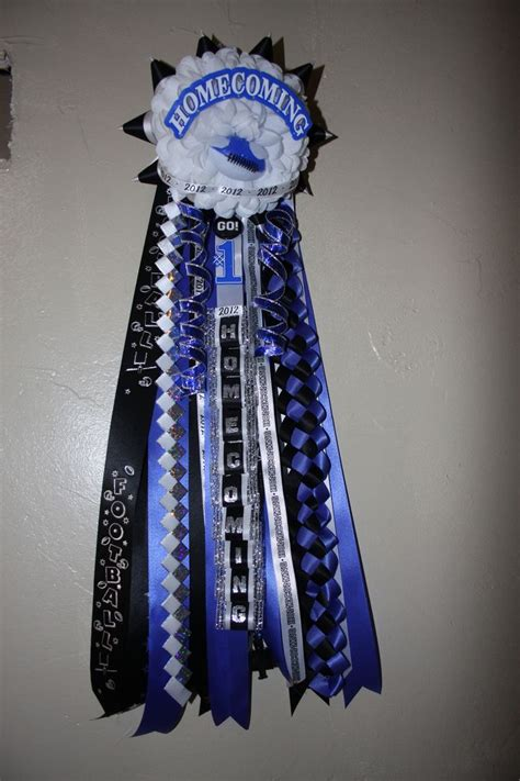 homecoming mums for boys 17 best images about mums on pinterest boys mum flower and big sisters