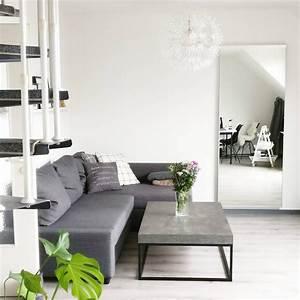 Wohnzimmer Boden Grau : interior monochrom minimalistisch wohnzimmer in grau mit grauem boden ikea friheten sofa und ~ Markanthonyermac.com Haus und Dekorationen