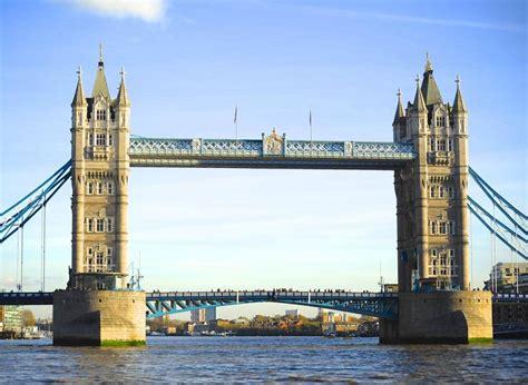 Tower Bridge And London Bridge - Travel Guide & Things To