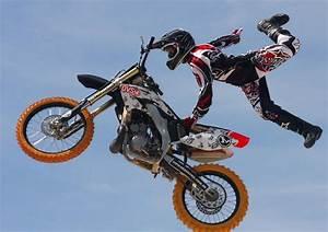Image De Moto : extreme jumps race vol 3 motorcycle race event eicma 2013 youtube ~ Medecine-chirurgie-esthetiques.com Avis de Voitures