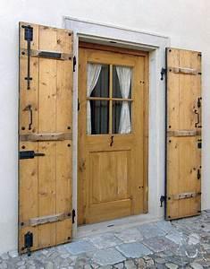 Vedlejší vchodové dveře dřevěné