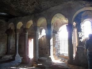 Avis De Deces Puy De Dome : chapelle photo de site troglodyte de jonas saint pierre ~ Dailycaller-alerts.com Idées de Décoration