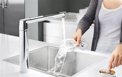 robinet evier cuisine cuisine évier robinet pour évier meuble sous évier