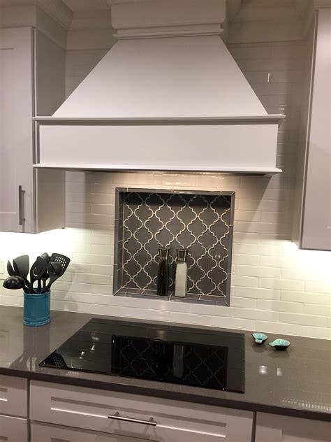 arabesque backsplash tile arabesque tile backsplash kitchen remodel pinterest arabesque tile backsplash arabesque