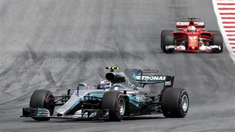 Formel 1 In Österreich Valtteri Bottas Feiert Knappen