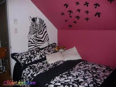 decoration zebre chambre peinture sur mur chambre de zèbre mélart