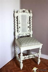Chaise Blanche Et Bois : charmant repeindre des chaises en bois et paille 1 ~ Nature-et-papiers.com Idées de Décoration