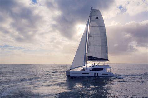 luxury yacht leopard  catamaran  yacht bay