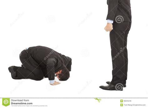 businessman apologize  boss  japanese kneeling