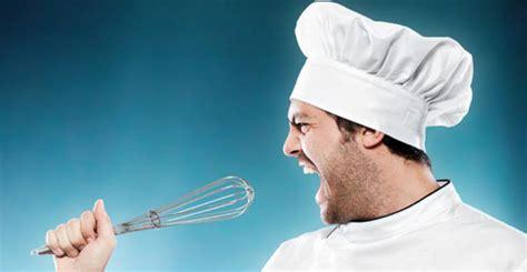 un chef dans votre cuisine chef de cuisine dans le top 10 des m 233 tiers qui peuvent ruiner votre chefs pourcel