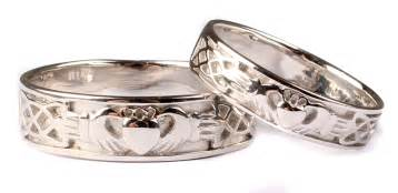 claddagh wedding ring set 9 ct white gold claddagh wedding ring set celtic desire jewellery