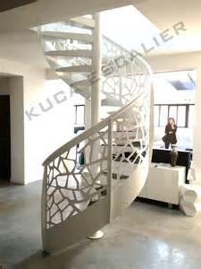 eh12 escalier colima 231 on re neck kuca