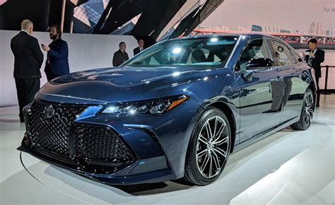 Brand New 2019 Toyota Avalon Debuts: 5 Things You Need to ...