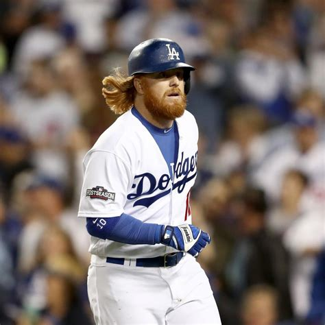 justin turner reportedly  signs  los angeles dodgers