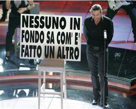 Luca Era Testo by Testo Letra Traducci 243 N En Espa 241 Ol De Canciones