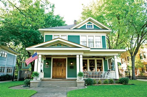 saving  dallas foursquare restoration design   vintage house  house