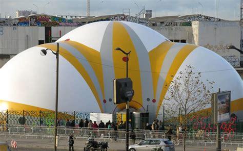 le centre pour migrants de la chapelle a d 233 j 224 h 233 berg 233 plus de 5 000 personnes le parisien